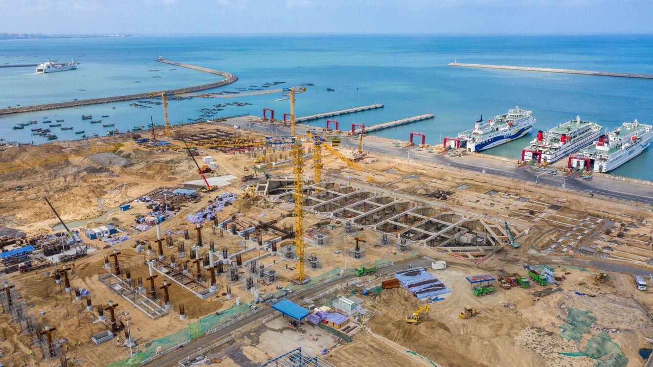 椰视频丨瞰海南:海口新海滚装码头客运综合枢纽站项目有序推进